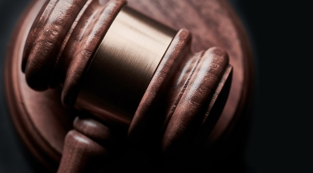 What does personal injury lawyer do?